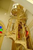 Detalle de escalera metálica de caracol y diseño en la mezquita de estado Sultán Abu Bakar de Johor Bharu, Malasia — Foto de Stock