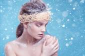Winter beauty young woman portrait,model creative image with frozen makeup, with porcelain skin and long white lashes showing trendy, Ice-queen, Snow Queen, studio — Stok fotoğraf