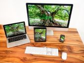Networked computer and mobile devices — Stock Photo