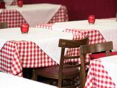 Mesas en el restaurante — Foto de Stock