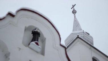 Nun statue on church building — Stock Video