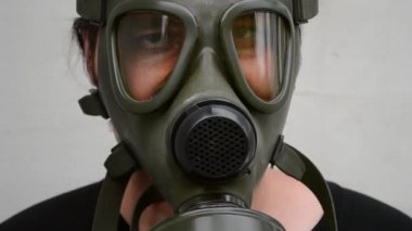 Man With Gas Mask on Face — Stock Video