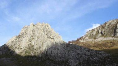 Angular Mountain Ridge Timelapse — Stock Video