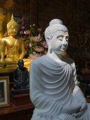 Weiße Buddha-statue — Stockfoto