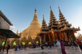 Yangon,Myanmar-February 19,2014: Shwedagon Pagoda, Burma — Stock Photo