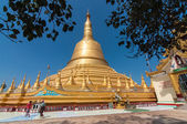 Bago, Myanmar-February 21,2014: Shwemawdaw pagoda — Stock Photo