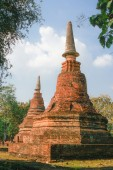 Old and ruin pagoda in Kamphaeng Phet Historical Park,Thailand — Stock Photo