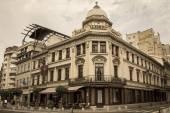 BUCHAREST, ROMANIA - JUNE 28: Hotel Capsa facade on June 28, 2015 in Bucharest, Romania. It is a historic restaurant first established in 1852 on Calea Victoriei Street — Stock Photo