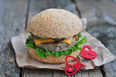 Hamburger , burger with grilled beef, cheese and vegetables — Stock Photo