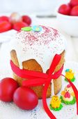Easter cake kulich , Russian traditional, white background. selective focus — Stockfoto