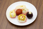 Indian sweets of gulab jamoon and rasgulla — Stockfoto