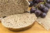 Integral bread and grape — Stock Photo