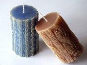 Hnědé a modré svíčky s pletací pattern — Stock fotografie