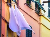 Laundry hanging outside — Stock Photo