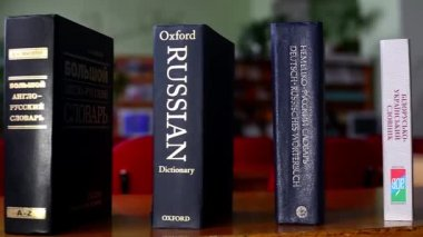Dictionary English-Russian — Stock Video