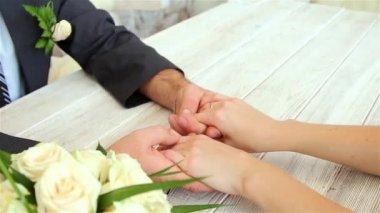 Hands of newlyweds vehemently — Stock Video
