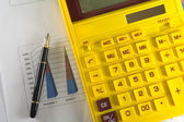 Gele rekenmachine — Stockfoto