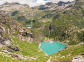 See Lago di Robiei und die Talsperre — Stockfoto