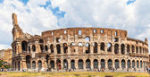 Exterior view of colosseum in Rome — Stock Photo