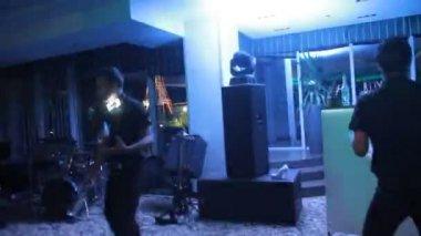 Acrobatic show barmen performing — Stock Video