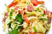 Scharfer thai-salat — Stockfoto