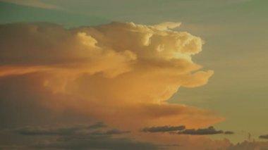 Storm Cloud Sunset — Stock Video