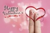 Arte de dedo. Los amantes es abrazar y sosteniendo corazón rojo. Imágenes de stock — Foto de Stock