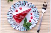 Strawberry cheesecake on plate — Foto de Stock