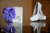 Fashion wedding glasses-модные свадебные бокалы — 图库照片