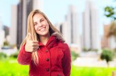Young cool woman all right gesture — Stock Photo
