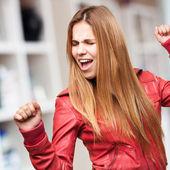 Mulher loira dançando — Fotografia Stock