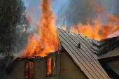 Burning house — Stock Photo