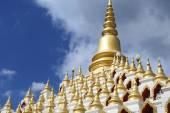 Samphutthe chedi near Wat Mani Phraison temple, Mae Sot, Tak, Thailand. — Stock Photo