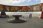 Tourists explore Zaisan war monument in Ulaanbaatar, Mongolia. — Stockfoto