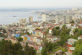 View to the residential area and harbor of the Valparaiso city, Chile. — Stock Photo
