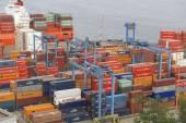 View to the cargo sea port of Valparaiso, Chile. — Stockfoto