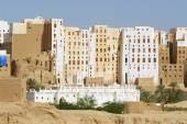 Exterior of the mud brick tower houses town of Shibam, Hadramaut valley, Yemen. — Stockfoto