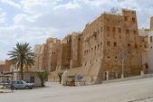 Exterior of the mud brick tower houses of Shibam town in Shibam, Yemen. — Stock Photo