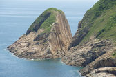 Hexagonal columns of volcanic origin at the Hong Konvvg Global Geopark in Hong Kong, China. — Stock Photo