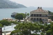 View to the Murray House and Stanley harbor in Hong Kong, China. — Stockfoto