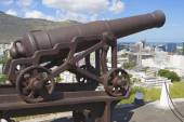 Old cannon at the entrance to the Fort Adelaide overlooking the city in Port Louis, Mauritius. — Foto de Stock