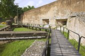 View to the exterior wall of the Ozama fortress in Santo Domingo, Dominican Republic. — Stock Photo