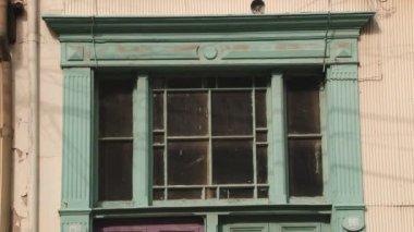 Aussenansicht der historischen Gebäude der Stadt Valparaiso in Valparaiso, Chile. — Stockvideo