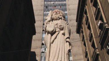 Exterior of the statue of Sain Patron of Santiago city, Chile. — Vídeo de stock