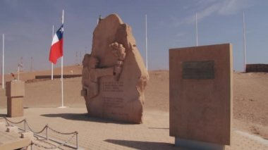 Exterior of the war memorial at the top of the Morro de Arica hill in Arica, Chile. — Stock Video