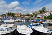 View to the boats tied at the harbor in Frogn, Norway. — 图库照片