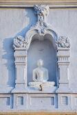 Exterior of the Buddha statue at Ruwanwelisaya stupa in Anuradhapura, Sri Lanka. — Stock Photo