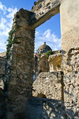 ISCHIA, ITALY - AUGUST, 14: Ruins of the wall , August 14, 2007 — Stockfoto