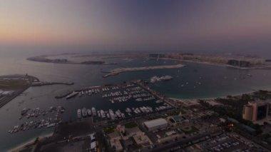 Dubai Yat Limanı geniş açı Panorama günden itibaren gece geçiş timelapse — Stok video