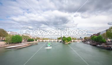 Banks of the river Siene with Ile de la Cite timelapse, Paris. — Stock Video